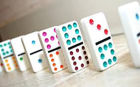 colorfuldominos